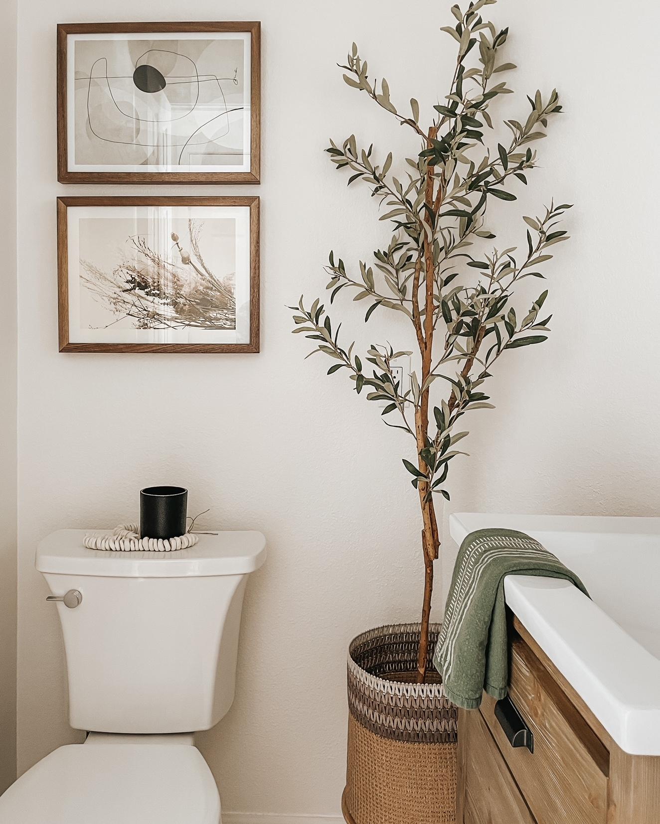 Bathroom Gallery Wall Mini Stack