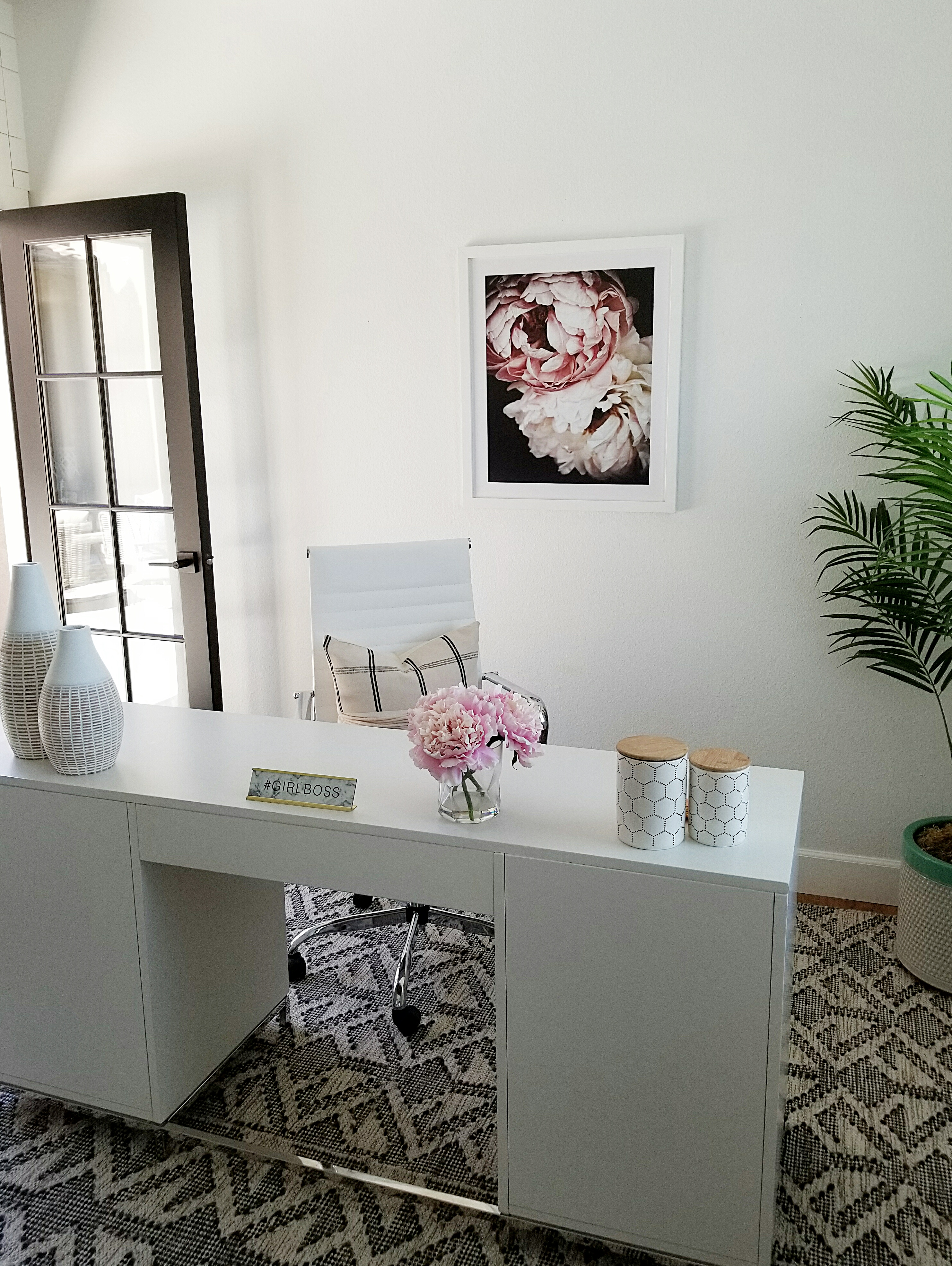 White Frames Are Exactly What Your Office Needs